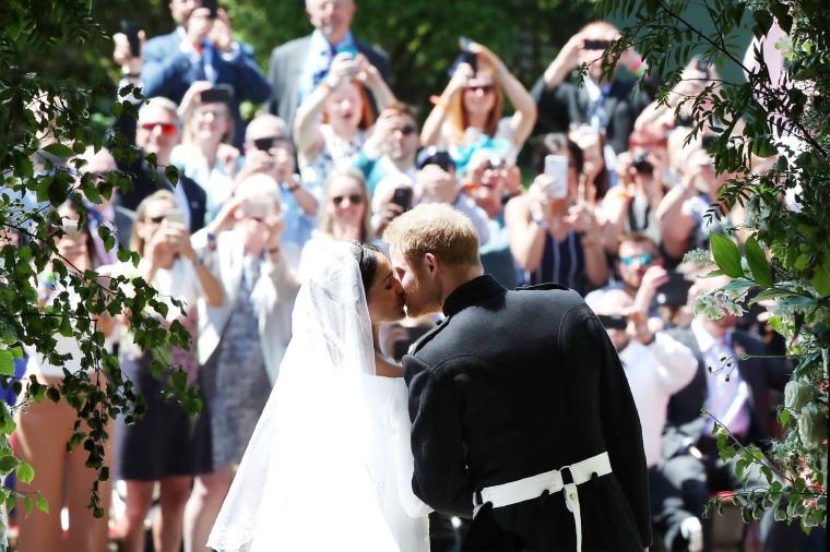 royal wedding-first kiss