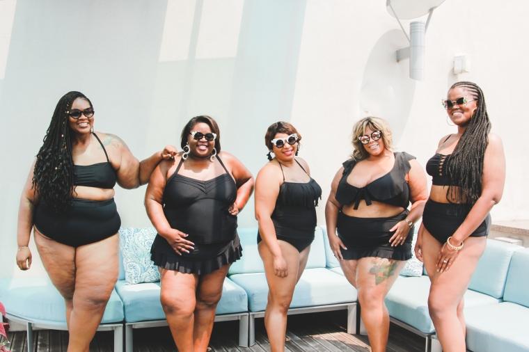 Nashville Curves - Group Shot - Black - 2018