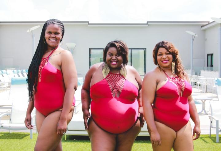 Nashville Curves - Red Suits - 1